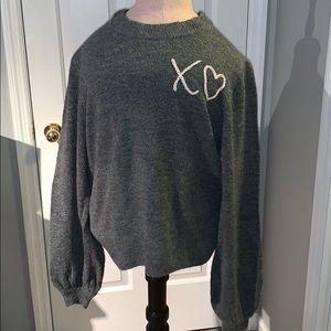 XO balloon sleeve sweater